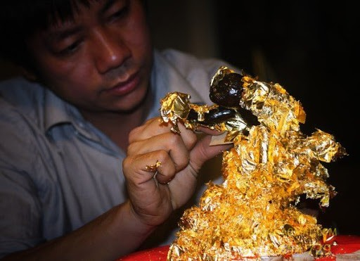 Điểm khác biệt giữa mạ vàng và dát vàng