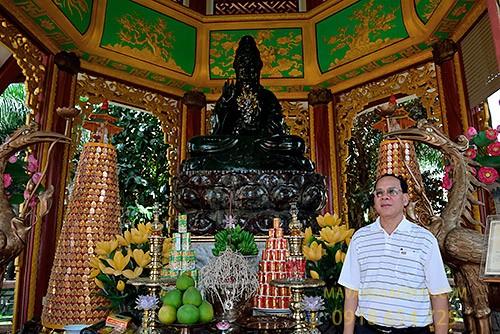 Pho tượng Phật Quan Âm bằng ngọc bích lớn nhất thế giới