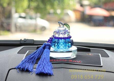 Những vật phẩm phong thủy thích hợp để trong xe ô tô